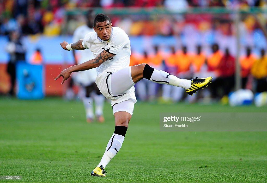 Serbia v Ghana: Group D - 2010 FIFA World Cup : News Photo