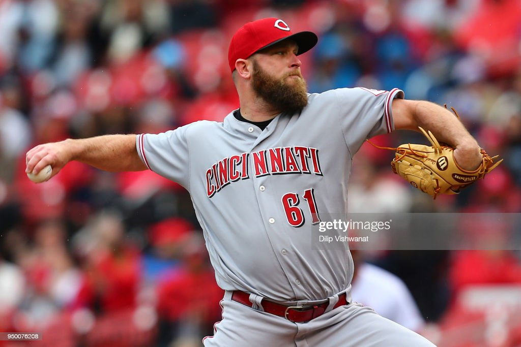 Kevin Quackenbush #61 of the Cincinnati Reds pitches against the St. Louis Cardinals in the seventh inning at Busch Stadium on April 22, 2018 in St. Louis, Missouri.
