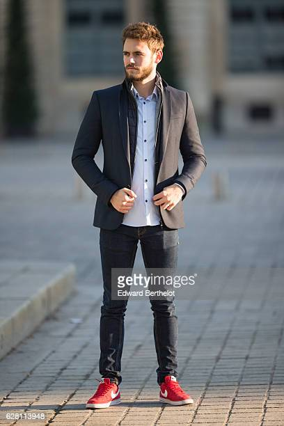 Kevin Ragonneau fashion and life style blogger @kevinragonneau is wearing a Zara blazer a Jules winter jacket a Zara clear blue shirt Zara blue denim...