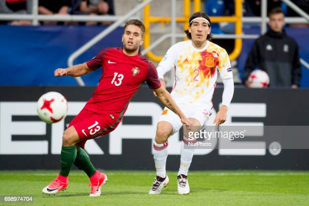 Kevin Rodrigues of Portugal fight for the ball with Hector Bellerin of Spain during the UEFA European Under21 Championship 2017 Group B match between...