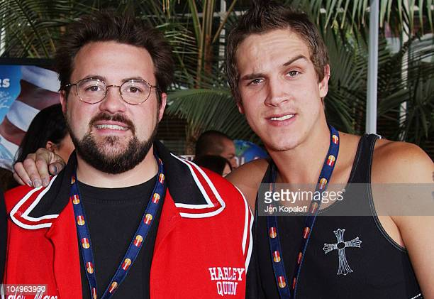 Kevin Smith and Jason Mewes during World Premiere of The Cat In The Hat at Universal Studios Cinemas in Hollywood California United States