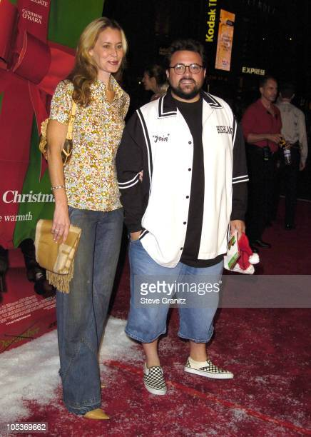 Kevin Smith and wife Jennifer Smith during Surviving Christmas Los Angeles Premiere Arrivals at Grauman's Chinese Theatre in Hollywood California...