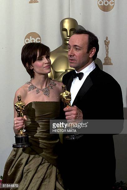 Kevin Spacey who won the Best Actor Oscar for his role in 'American Beauty' and Hilary Swank who won Best Actress for 'Boys Don't Cry' pose with...