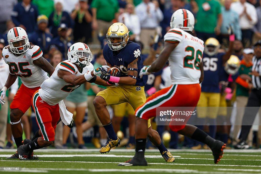 Miami v Notre Dame : News Photo