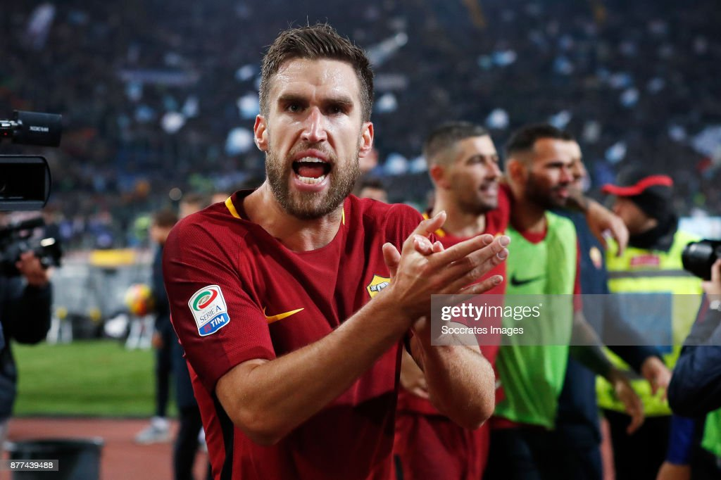 Kevin Strootman of AS Roma celebrates the victory during the Italian Serie A match between AS Roma v Lazio at the Stadio Olimpico on November 18, 2017 in Rome Italy