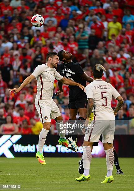 Kevin Strootman of AS Roma goes for a header against Georginio Wijnaldum of Liverpool FC during a friendly match at Busch Stadium on August 1 2016 in...