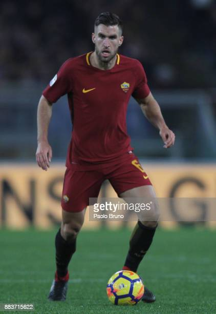 Kevin Strootman of AS Roma in action during the Serie A match between AS Roma and Spal at Stadio Olimpico on December 1 2017 in Rome Italy