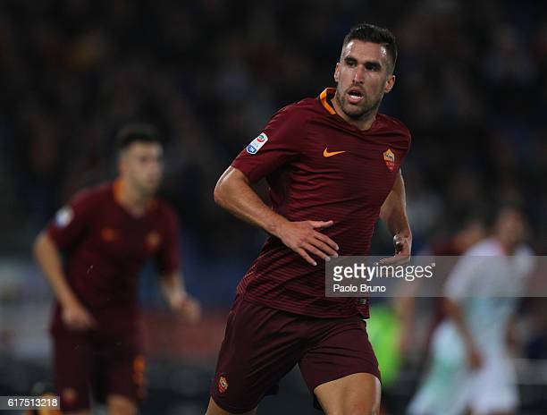 Kevin Strootman of AS Roma looks on during the Serie A match between AS Roma and US Citta di Palermo at Stadio Olimpico on October 23 2016 in Rome...