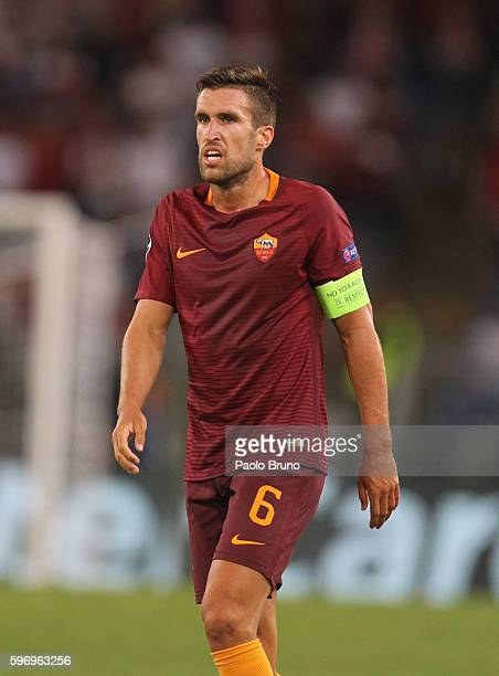 Kevin Strootman of AS Roma looks on during the UEFA Champions League qualifying playoff round second leg match between AS Roma and FC Porto at Stadio...