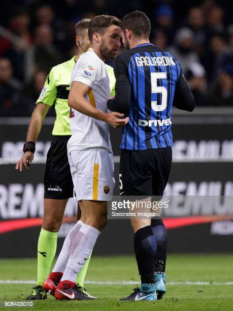 Kevin Strootman of AS Roma Roberto Gagliardini of Internazionale during the Italian Serie A match between Internazionale v AS Roma at the San Siro on...