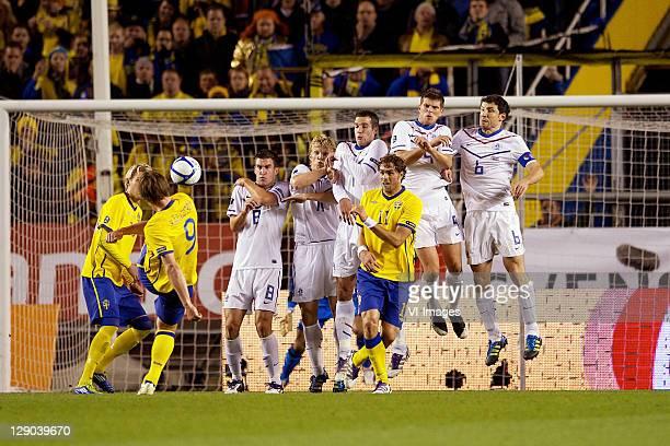 Kevin Strootman of Holland, Dirk Kuyt of Holland, Robin van Persie of Holland, Johan Elmander of Sweden, Klaas Jan Huntelaar of Holland, Mark van...