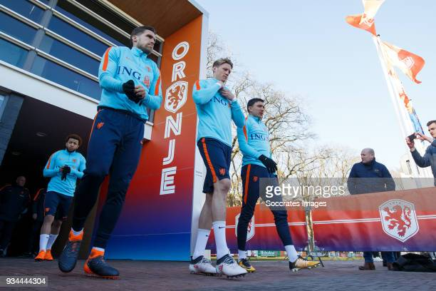 Kevin Strootman of Holland Wout Weghorst of Holland Steven Berghuis of Holland during the Training Holland at the KNVB Campus on March 19 2018 in...