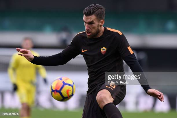 Kevin Strootman of Roma in action during the Serie A match between AC Chievo Verona and AS Roma at Stadio Marc'Antonio Bentegodi on December 10 2017...