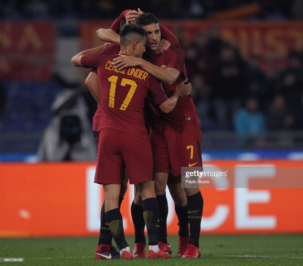 Kevin Strootman with his teammates of AS Roma celebrates after scoring the team's second goal during the Serie A match between AS Roma and Spal at Stadio Olimpico on December 1, 2017 in Rome, Italy.