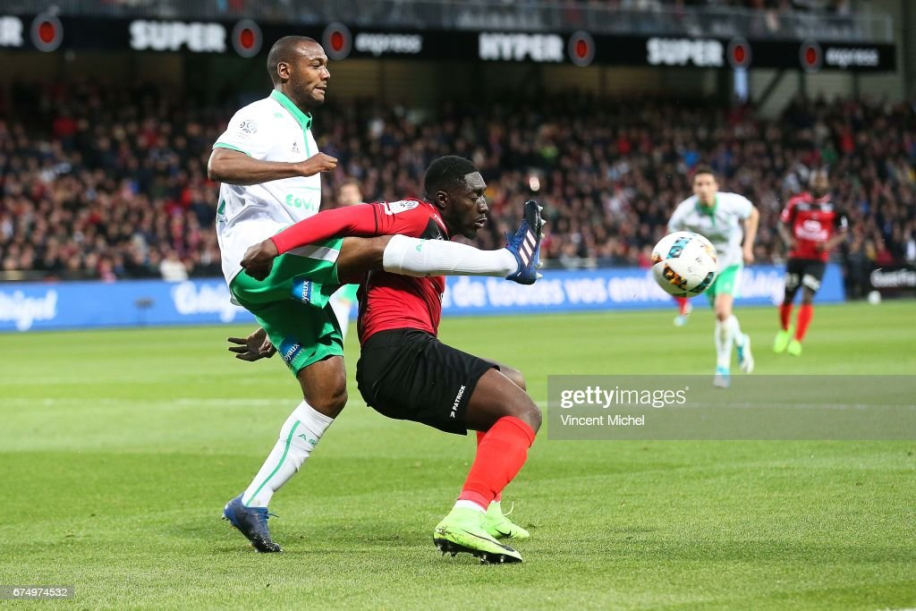 EA Guingamp v AS Saint-Etienne - Ligue 1 : News Photo