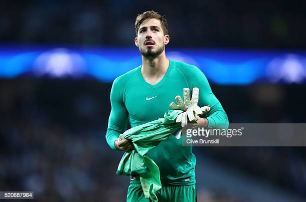 Kevin Trapp of Paris SaintGermain looks dejected in defeat after the UEFA Champions League quarter final second leg match between Manchester City FC...