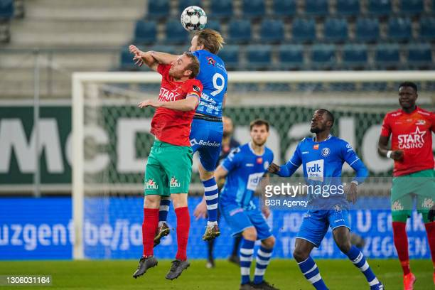 Kevin Vandendriessche of KV Oostende and Roman Bezus of KAA Gent during the Jupiler Pro League match between KAA Gent and KV Oostende at Ghelamco...