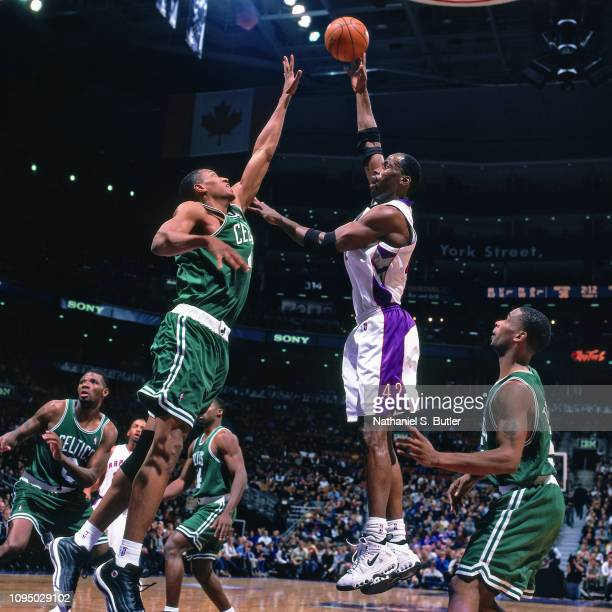 Kevin Willis shoots the ball against the Boston Celtics on November 2 1999 at the Air Canada Centre in Toronto Canada NOTE TO USER User expressly...