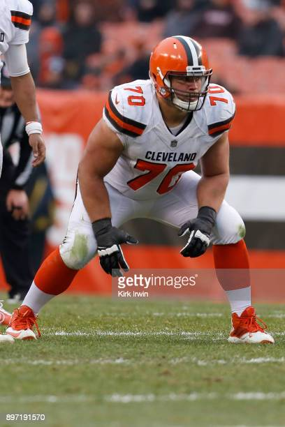 Kevin Zeitler of the Cleveland Browns prepares for the ball to be snapped during the game against the Baltimore Ravens at FirstEnergy Stadium on...