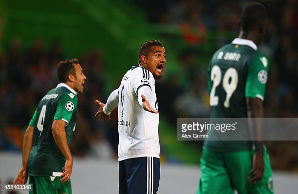 KevinPrince Boateng of Schalke reacts during the UEFA Champions League Group G match between Sporting Clube de Portugal and FC Schalke at Estadio...