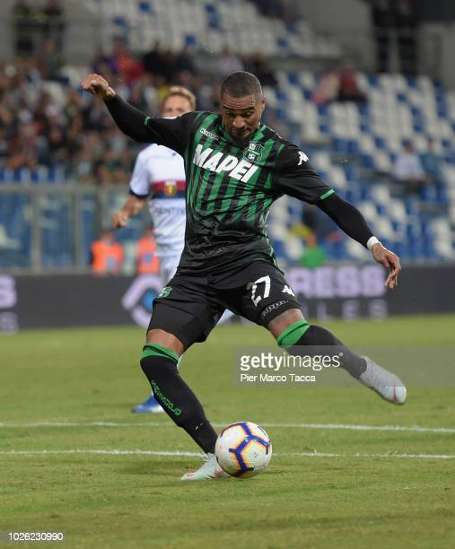 KevinPrince Boateng of US Sassuolo pulls the ball into the goal during the serie A match between US Sassuolo and Genoa CFC at Mapei Stadium Citta'...