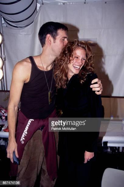 Kevyn Aucoin Julia Roberts Richard Tyler fashion show Bryant Park NYC October 31 1995