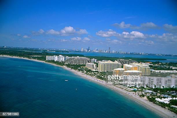 key biscayne coastline - キービスケイン ストックフォトと画像