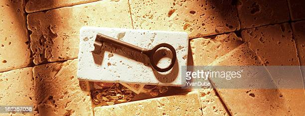 key to treasure - antiquities stock pictures, royalty-free photos & images