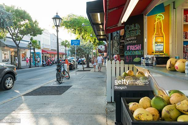 key west duval street bar business tropical travel destinations usa - duval street stock pictures, royalty-free photos & images