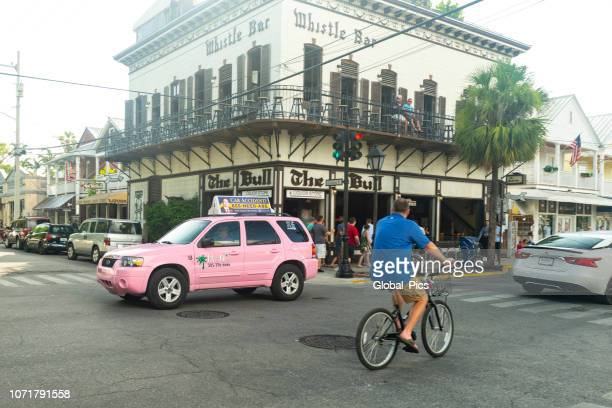 key west, florida keys - usa - duval street stock pictures, royalty-free photos & images