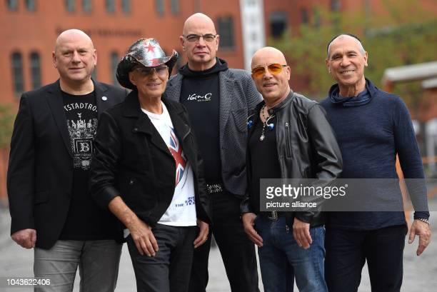 Keyboard player Manfred 'Manne' Hennig guitarist Fritz Puppel drummer Klaus Selmke singer Toni Krahl and bassist/violinst Georgi 'Joro'Gogow of the...