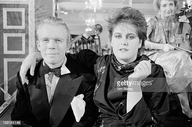 Keyboard player Vince Clarke and singer Alison Moyet of English synthpop duo Yazoo circa 1983
