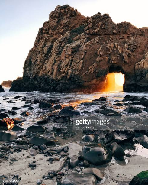 keyhole rock at pfeiffer beach, big sur, california, america, usa - big sur stock pictures, royalty-free photos & images