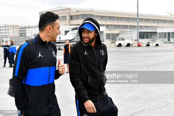 Keylor Navas and Neymar Jr of Paris Saint-Germain board for Lyon before the French Cup Semi Final match between Olympique Lyon and Paris...