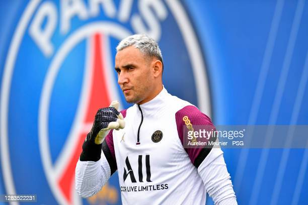 Keylor Navas arrives to a Paris Saint-Germain training session at Ooredoo Center on November 02, 2020 in Paris, France.