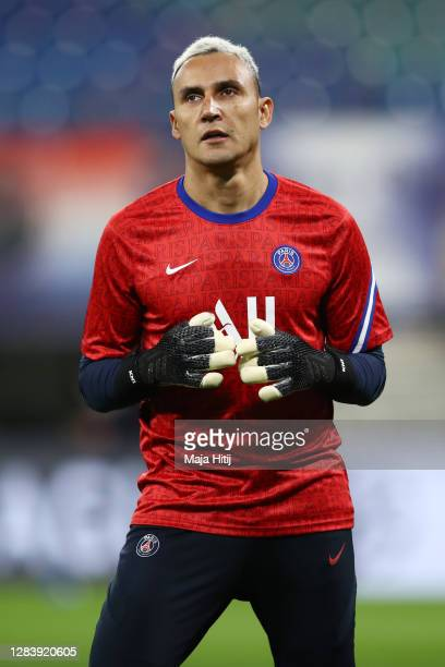 Keylor Navas of Paris SaintGermain warms up ahead of the UEFA Champions League Group H stage match between Istanbul Basaksehir and Manchester United...
