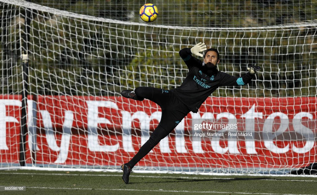 Keylor Navas of Real Madrid in action during a training session at Valdebebas training ground on December 1, 2017 in Madrid, Spain.