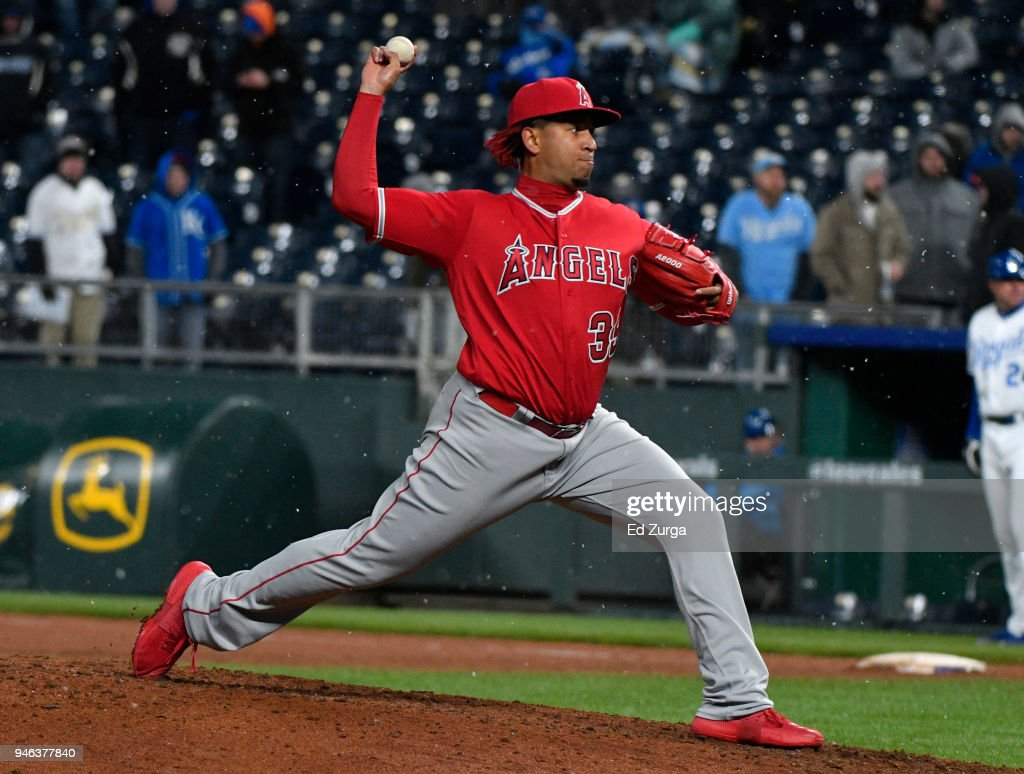 Keynan Middleton #39 of the Los Angeles Angels of Anaheim throws in the ninth inning against the Kansas City Royals at Kauffman Stadium on April 14, 2018 in Kansas City, Missouri.