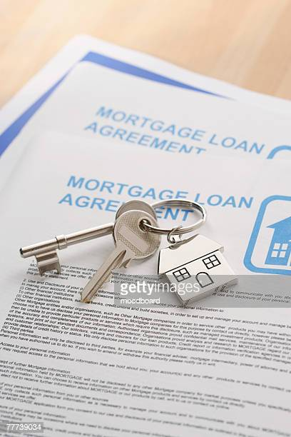 keys to a new home - mortgage stock pictures, royalty-free photos & images