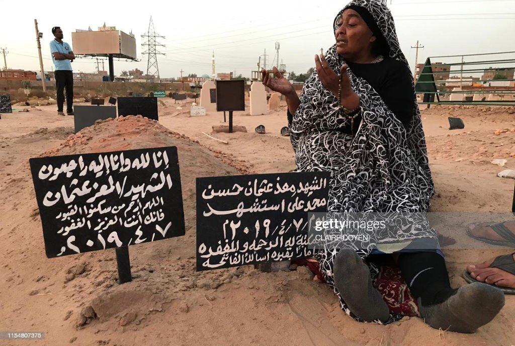 TOPSHOT-SUDAN-UNREST-DEMO : News Photo
