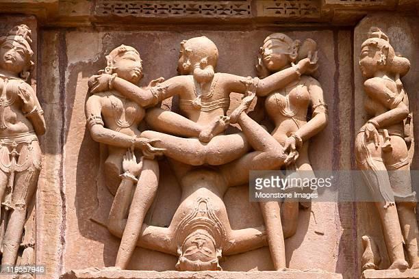 khajuraho en madhya pradesh, india - mujer desnuda fotografías e imágenes de stock