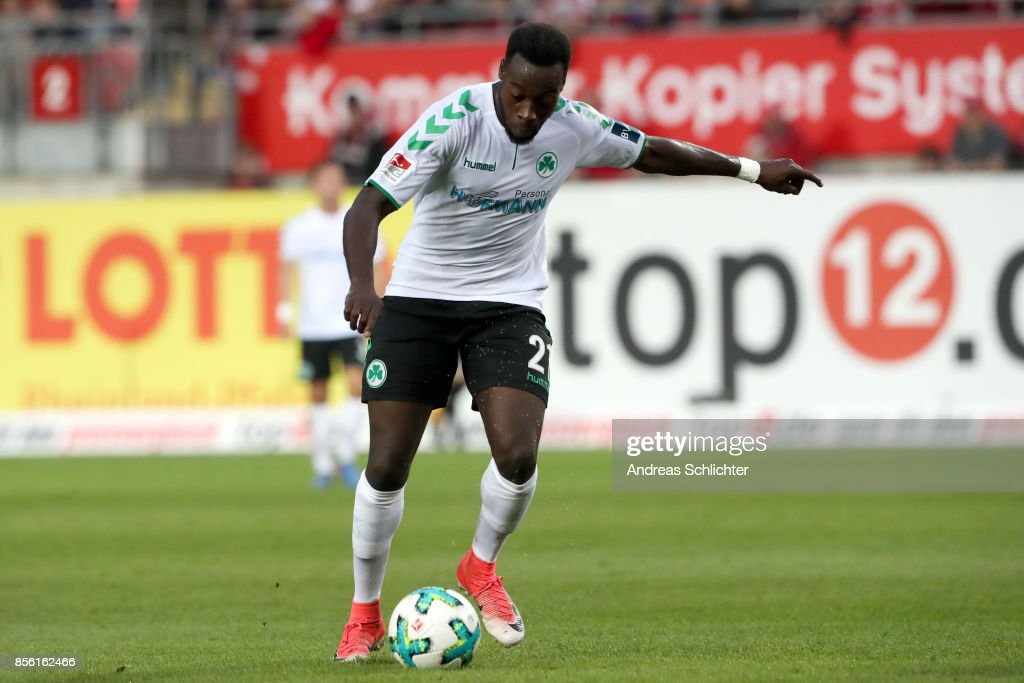 1. FC Kaiserslautern v SpVgg Greuther Fuerth - Second Bundesliga : News Photo