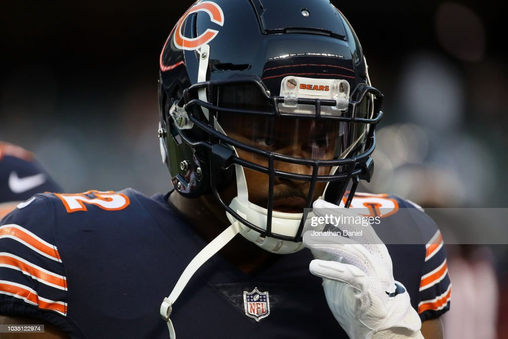 Khalil Mack of the Chicago Bears warms up prior to the game against ... 0684d9e12