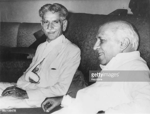 Khan Habibullah Khan , the Pakistani Minister of the Interior, visits Indian Prime Minister Jawaharlal Nehru at his home in New Delhi, India, April...