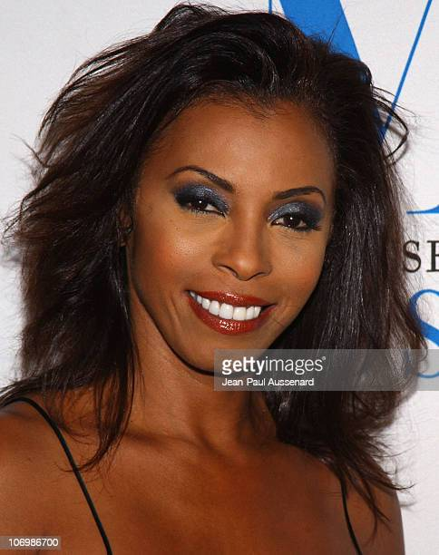 Khandi Alexander during The Museum of Television Radio Honors Leslie Moonves and Jerry Bruckheimer Arrivals at Regent Beverly Wilshire Hotel in...