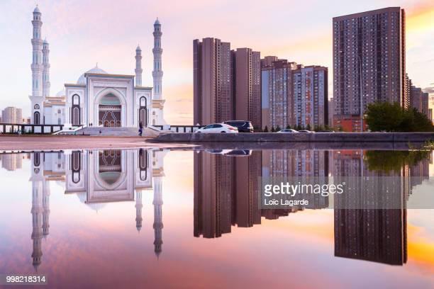 khazret sultan mosque in astana - カザフスタン ストックフォトと画像