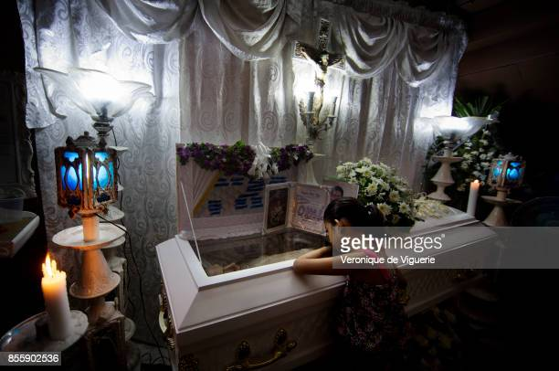Kheila 7th is grieving her dad Flor John Flor John drug user was executed by some apparent policemen at his house on the 19th of October He was the...