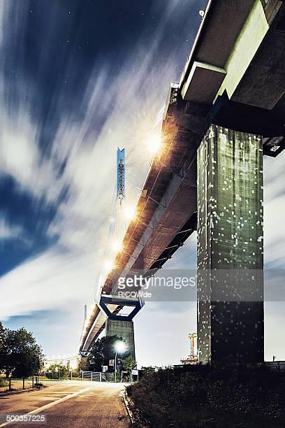 köhlbrandbrücke - köhlbrandbrücke stock photos and pictures