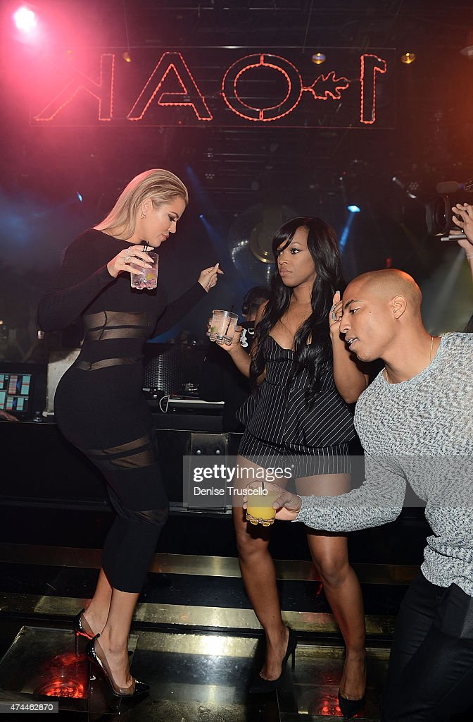 Khloe Kardashian, Kadisha Haqq and Dorion Renaud attend 1 OAK Nightclub Las Vegas at the Mirage Hotel & Casino on May 22, 2015 in Las Vegas, Nevada.