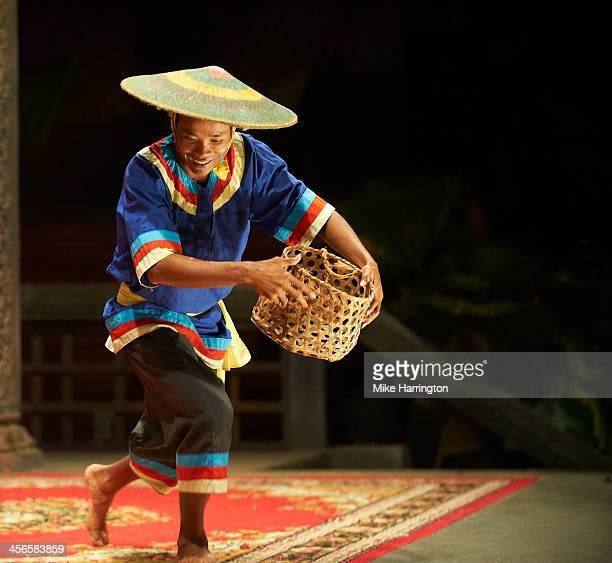 khmer dancer performing on stage. - night life in cambodian capital phnom penh ストックフォトと画像